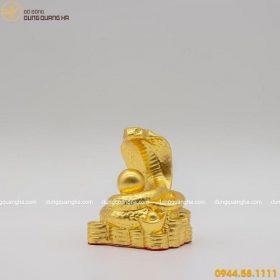 Tượng rắn phong thủy bằng đồng thếp vàng 9999 tinh xảo