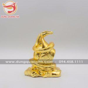 Tượng rắn phong thủy mạ vàng đẹp tinh xảo