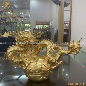 Tượng Rồng cuộn quả địa cầu bằng đồng 40cm thếp vàng 9999