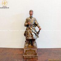 Tượng Trần Hưng Đạo bằng đồng khảm tam khí chiều cao 49cm