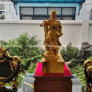 Tượng Trần Hưng Đạo mặc chiến bào đồng đỏ mạ vàng cao 70cm
