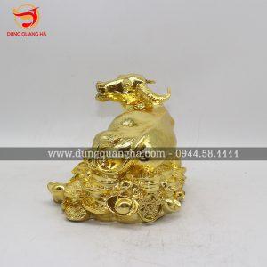 Tượng trâu đồng mạ vàng đẹp tinh xảo, sắc nét